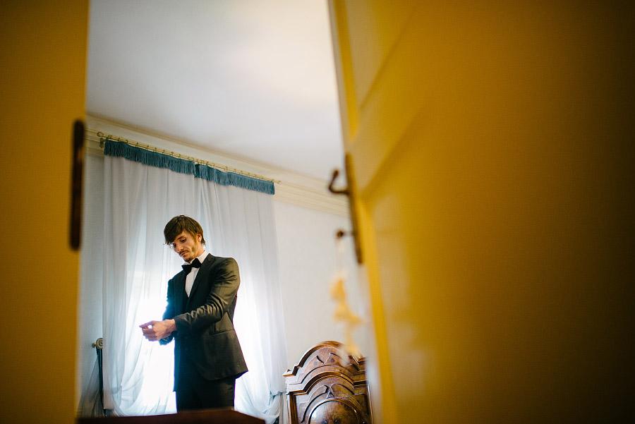 foto preparazione sposo