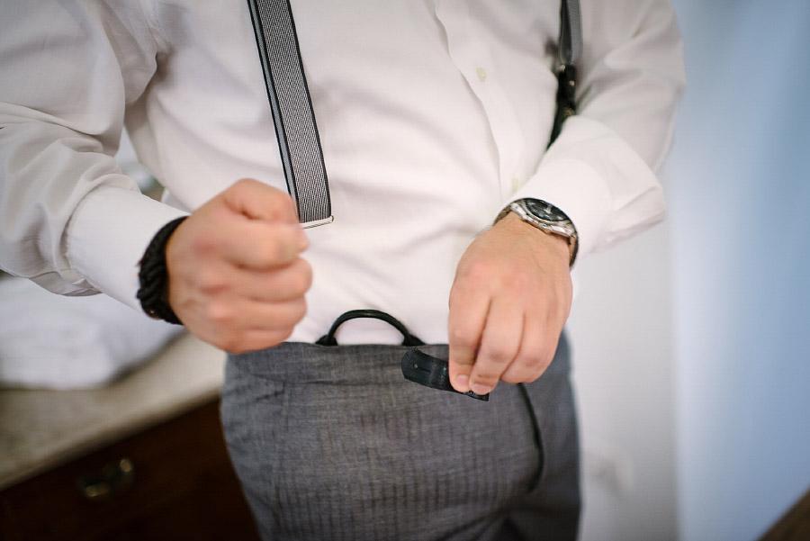 dettagli vestito sposo