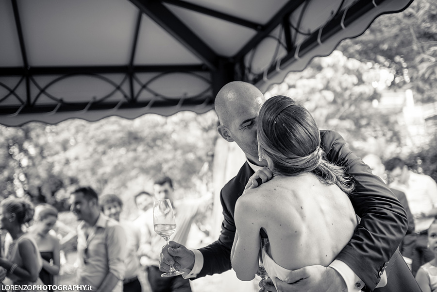 bacio matrimonio italia
